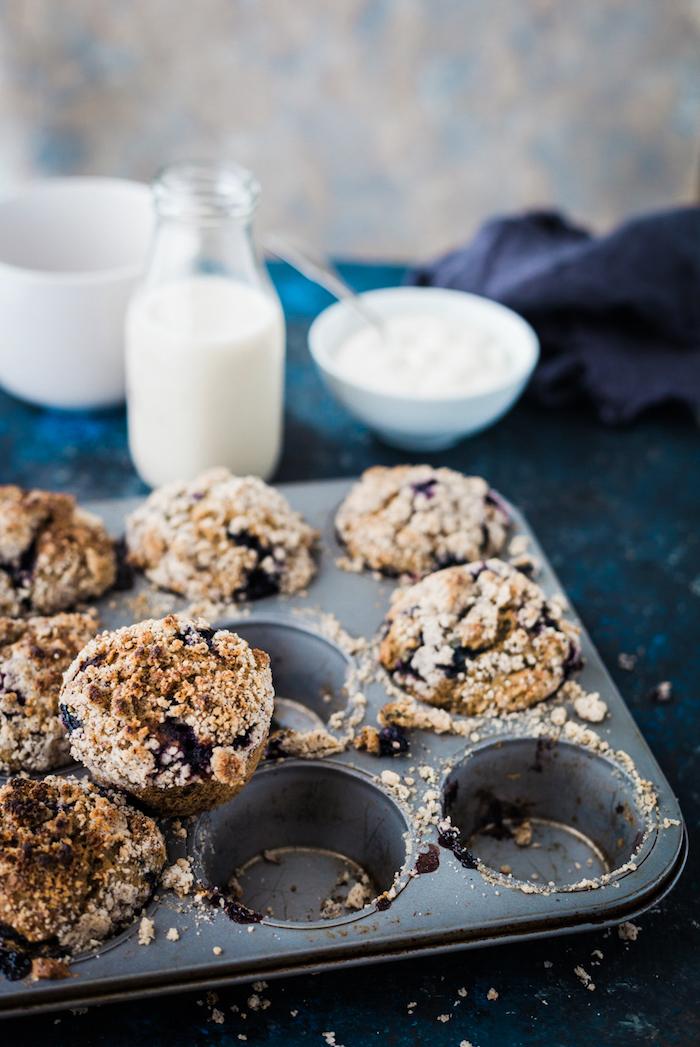blueberry crumble muffins_gastrostoria